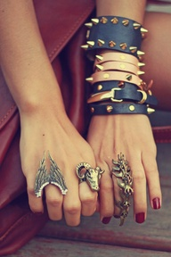 Kylie-Jenner-Holiday-Sparkle-Studded-Accessories-6