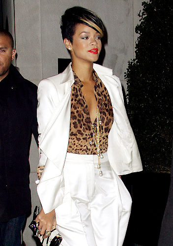 rihanna-animal-print-top