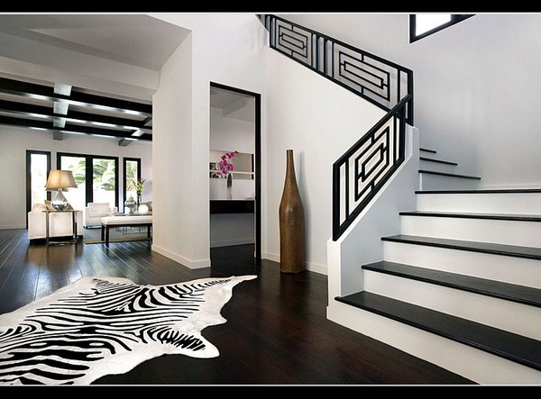 simple-with-black-and-white-interior-design-2