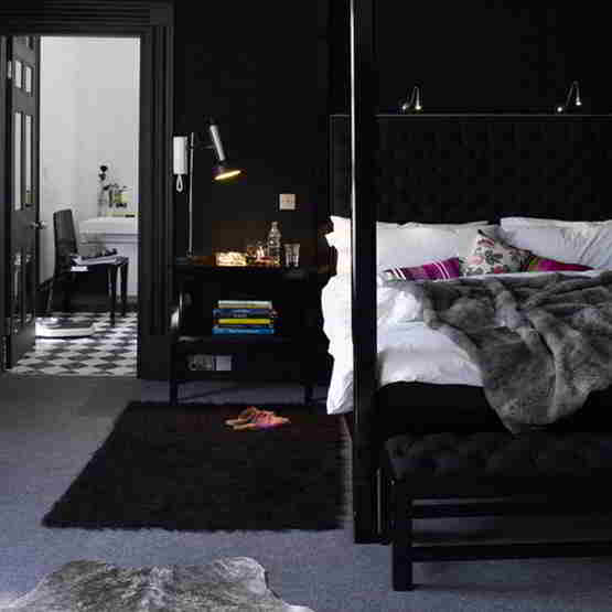 Black-and-White-Bedroom-Interior-Design-3