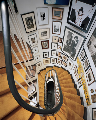 How to Create a Gallery Wall | cocoandcashmere - Stair Wall Decorating Ideas