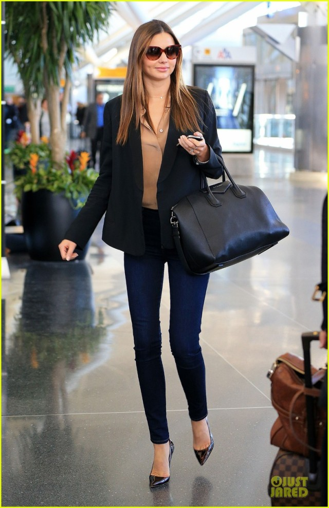 miranda-kerr-treasure-yourself-power-thoughts-for-my-generation-author-03