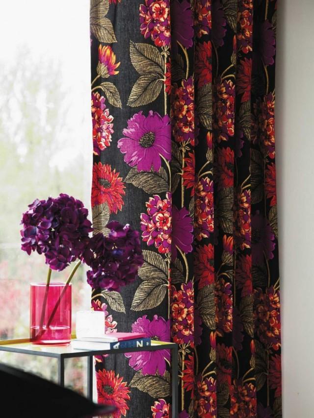 Modern-Curtains-with-Elegant-Floral-Design